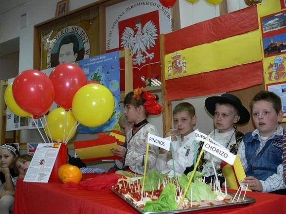 Szkoła Podstawowa w Mąchocicach Scholasterii