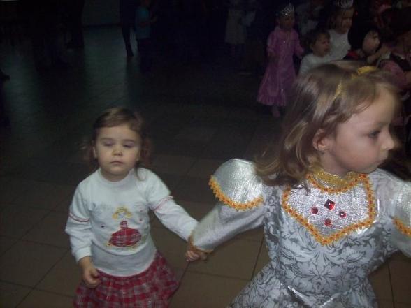 Zabawa choinkowa w Woli Kopcowej - 13.01.2010r.