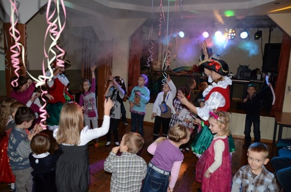 Mikołajkowa zabawa dla dzieci - 11.12.2011r.