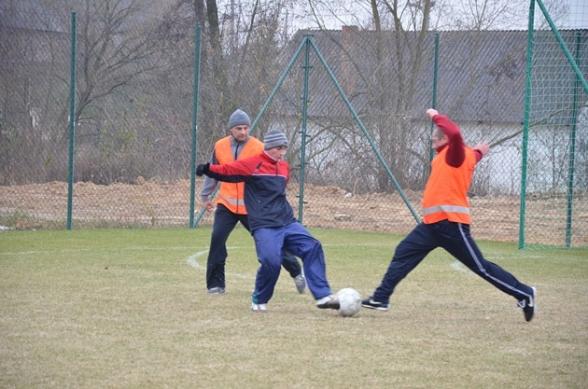 Młodzi strażacy kontra radni i urzędnicy - 13.11.2011r.