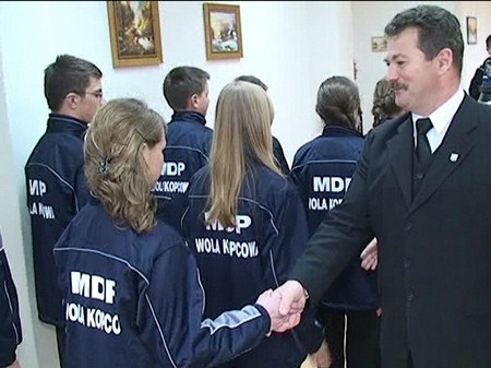 Młodzi strażacy z Woli Kopcowej złożyli ślubowanie - 3.05.2011r.
