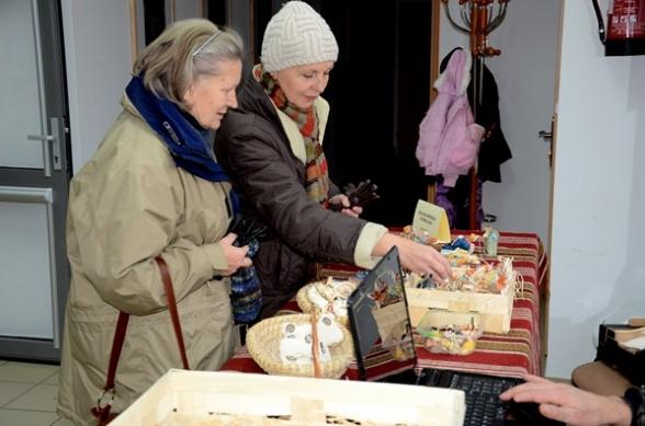 Świąteczny kiermasz i wystawa pierników w Ciekotach - 17.12.2011r.