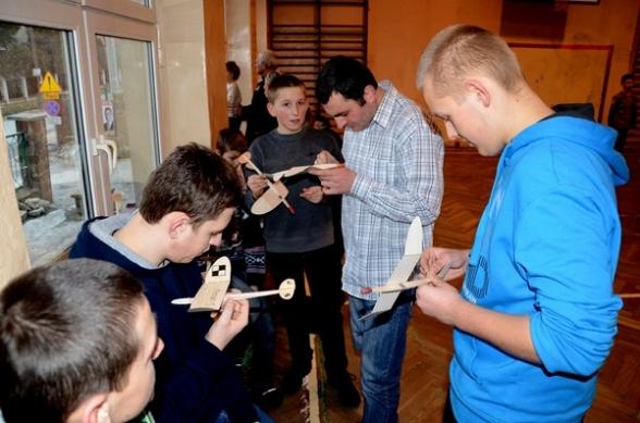 Finał warsztatów modelarskich w Masłowie - 25.02.2012r.