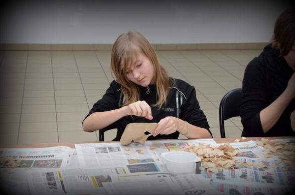 Warsztaty robienia masek w Szklany Domu - 23.02.2012r.