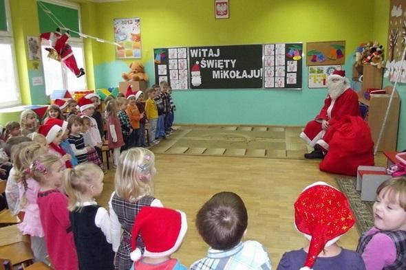 Mikołajki w przedszkolu w Mąchocicach Kapitulnych - 6.12.2013r.
