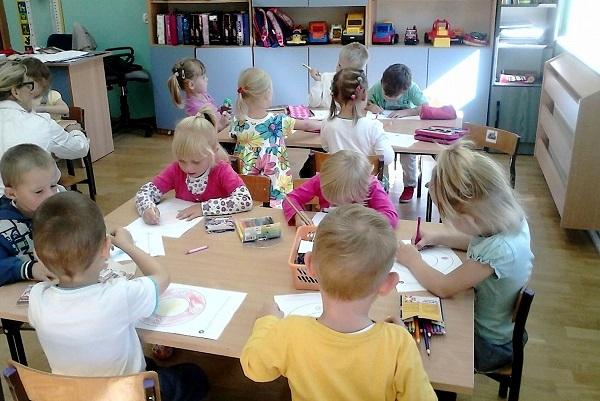 Nowy rok szkolny w przedszkolu w Mąchocicach Kap. - 2.09.2013r.