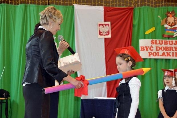 SP Mąchocice Schol. - ślubowanie pierwszaków - 17.10.2013r. (źródło zdjęć: szkoła)