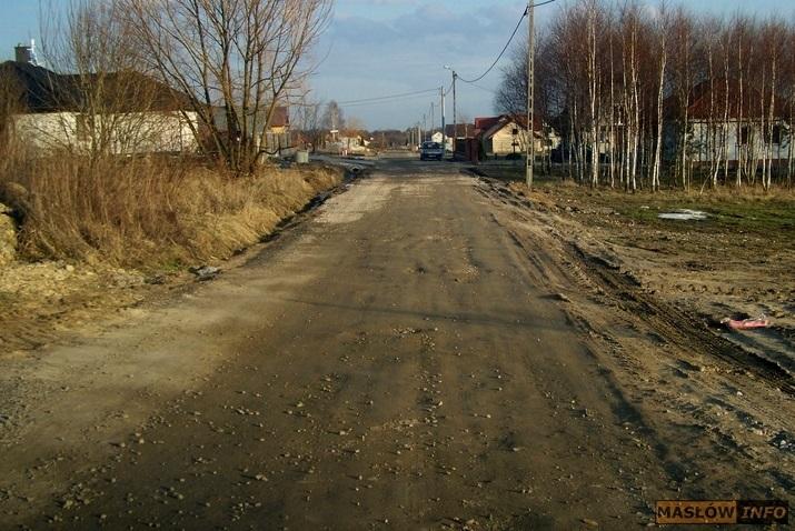 Stan ulicy Świerczyńskiej w Masłowie - 1.03.2014r.