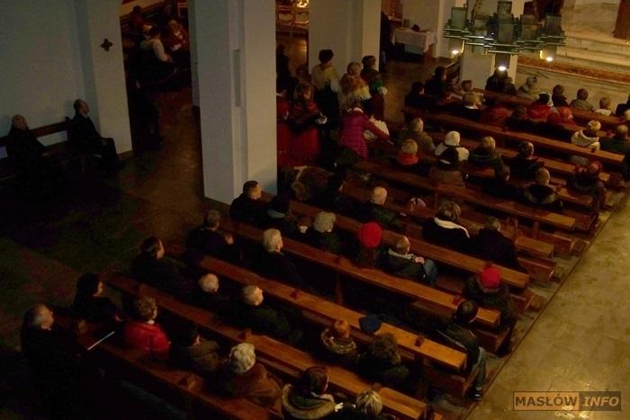 Świąteczny koncert w Dąbrowie - 2.02.2014r.